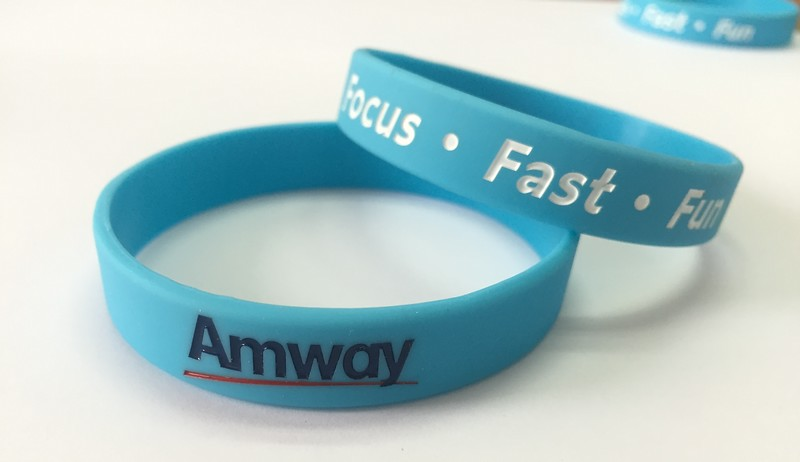 Amway Focus Fast Fun ริสแบนด์