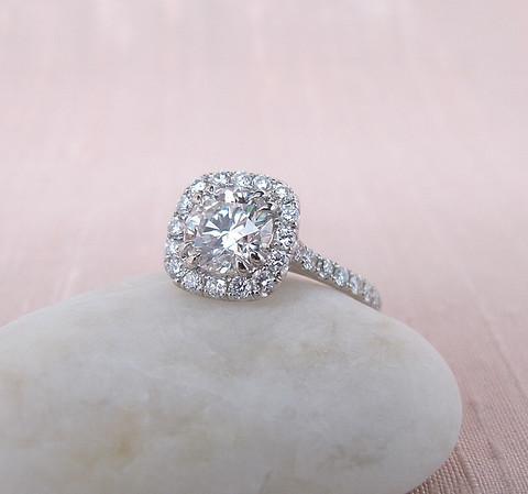 1.30ct Round Brilliant Diamond Halo Ring AGS000