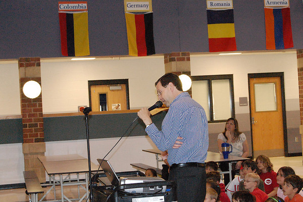 Chuck Harmon & Charlie Davis visit Blue Ash Elementary 042810