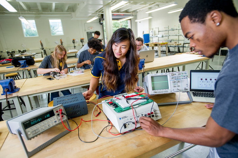 17339-Electrical Engineering-8132.jpg