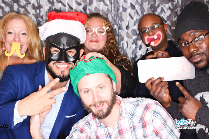 red-hawk-2017-holiday-party-beltsville-maryland-sheraton-photo-booth-0105.jpg