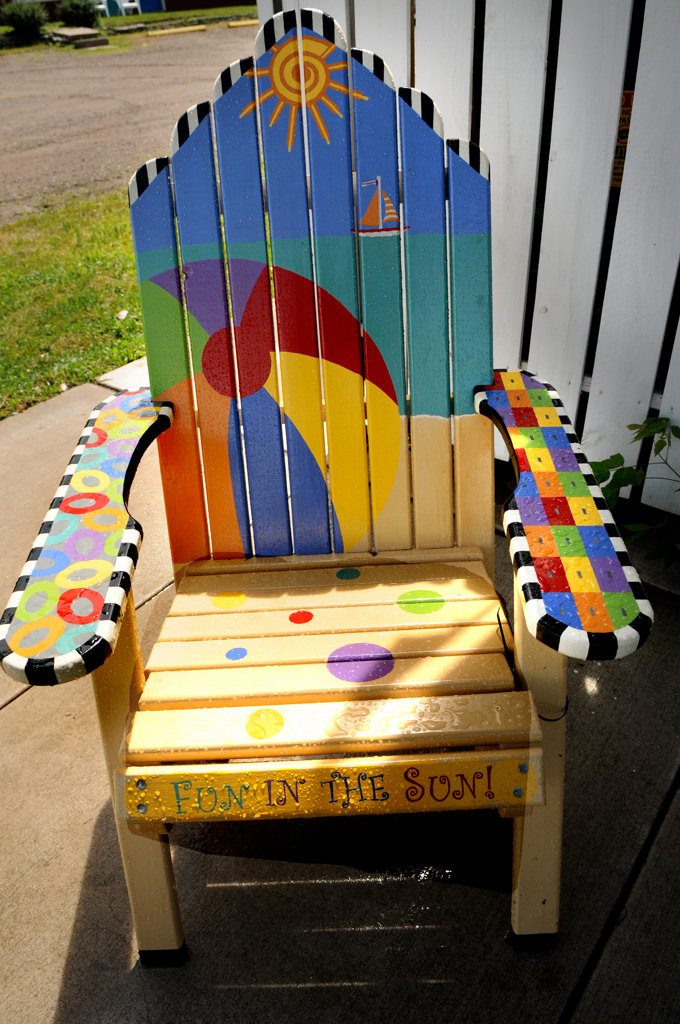 """. A chair titled \""""Fun in the Sun\"""" by Terri Hedrick is part of the Highway 8 Chairs project. (Pioneer Press: Jean Pieri)"""