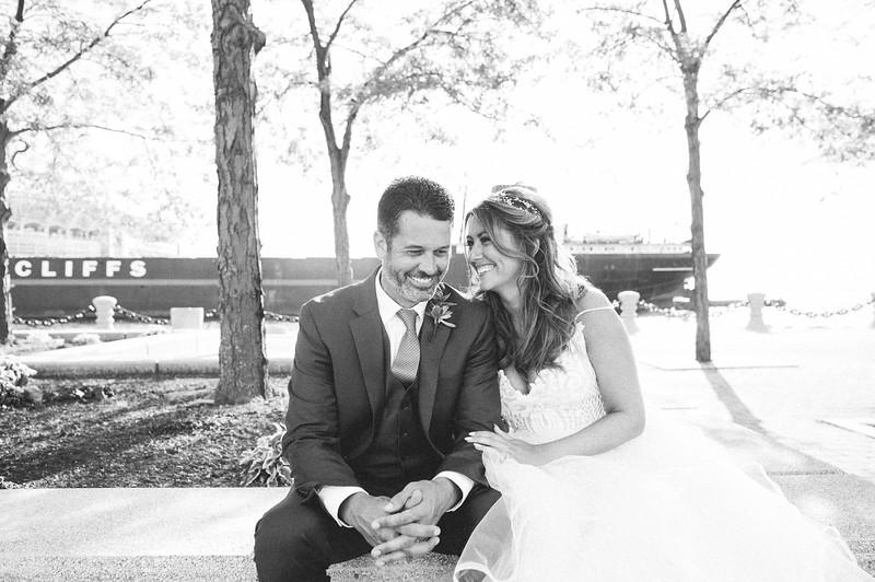 00252 Cleveland Wedding Photographer.jpg