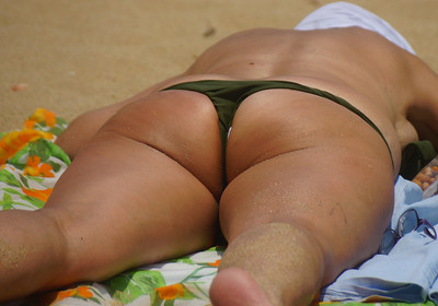 Sexy Thangs on the Beach
