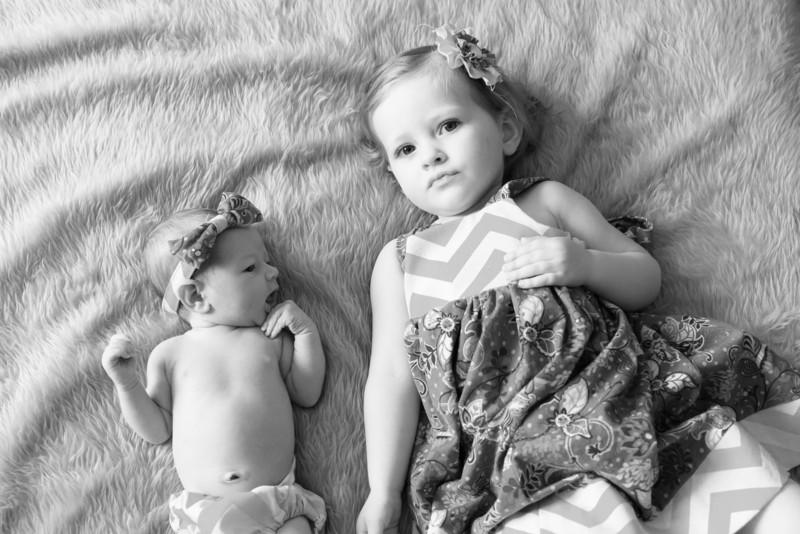 2014.03.30 Whitney Kronforst Newborn Photos B-W 41.jpg
