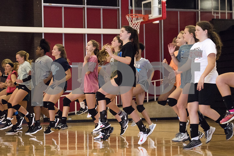 080117_Robert_E_Lee_Volleyball_Tryouts_Web_004