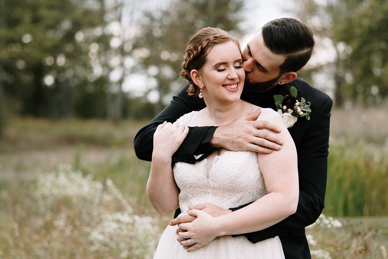 rustic_ohio__fall_barn_wedding-272.jpg