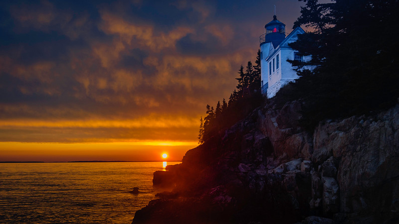 lighthousehorizontaljL.jpg