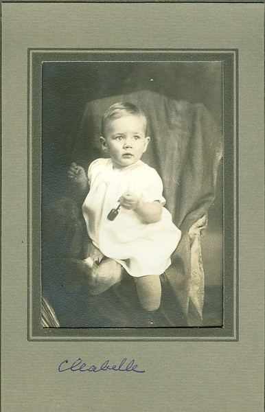 Cleabelle Pearce (later Wilson, then Dobbins) as a baby. Daughter of Crystal Ray Vaughn and James Percy Pearce. Sweet Home, Oregon.
