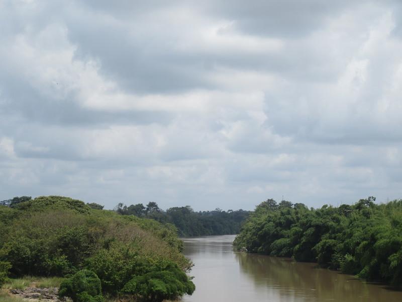 014_En route. Entre Abidjan et Aniassué.JPG