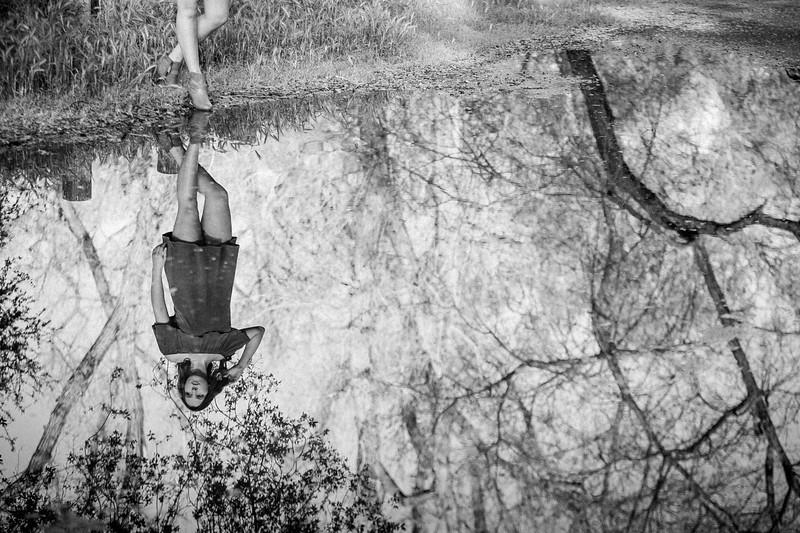 Miranda - Senior Photography - Mokelumne Fish Hatchery- North California - Sunset - Water play