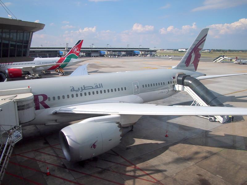 P3291299-qatar-airways.JPG