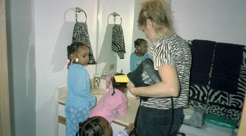2001-12-23  Grand Daughters Chrstmas Visit 0010.jpg
