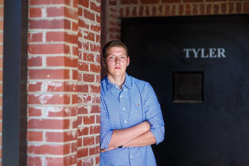Senior Tyler A. 2017 (38).jpg