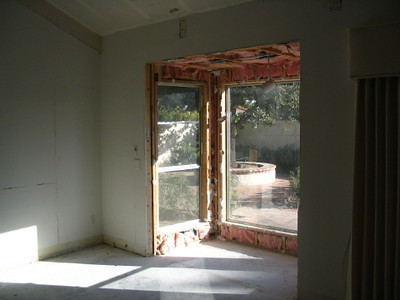 Dining room with bay window (soon to be removed)
