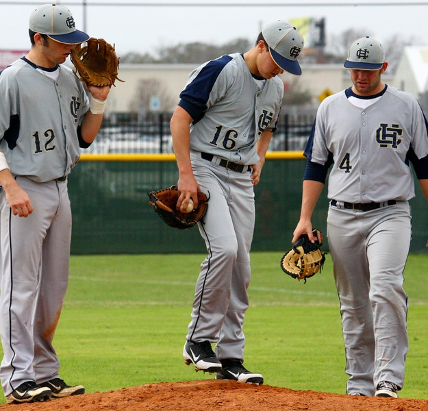 \\hcadmin\d$\Faculty\Home\slyons\HC Photo Folders\HC Baseball vs Ehret_2_4_12\SEL 194.JPG