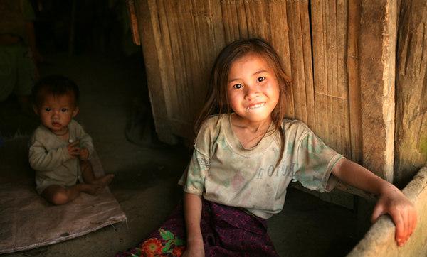 hmong girlsmall.jpg
