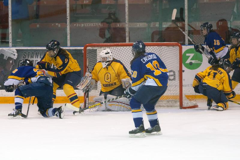 20130310 QWHockeyvsUBC 489.jpg
