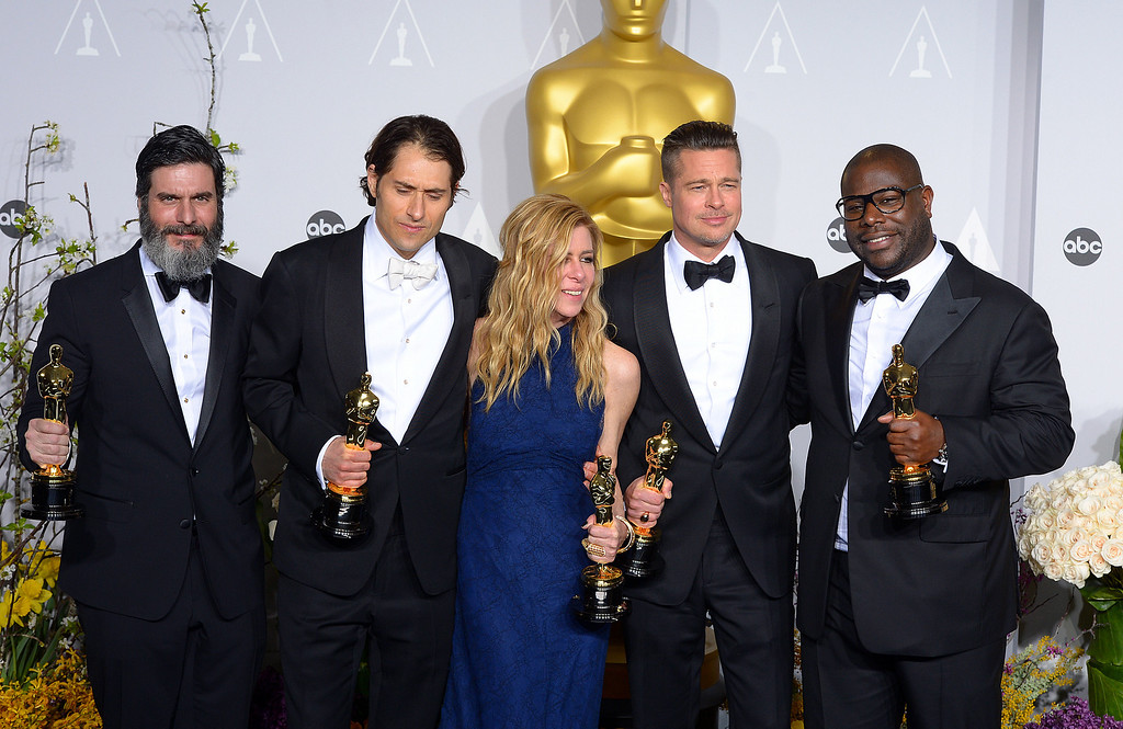 . Best Picture award for \'12 Years a Slave\' Crew backstage at the 86th Academy Awards at the Dolby Theatre in Hollywood, California on Sunday March 2, 2014 (Photo by David Crane / Los Angeles Daily News)