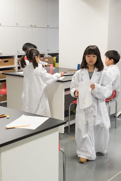 Grade 2 visits the Science Lab-6736.jpg