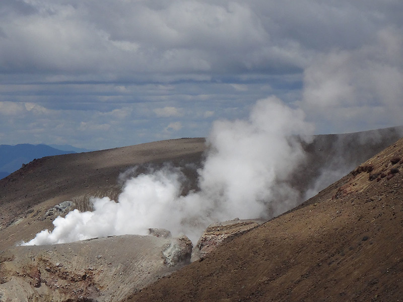 A tantalising 1 km exclusion zone exists around Te Mari Crater due to 'dangerous volcanic activity'