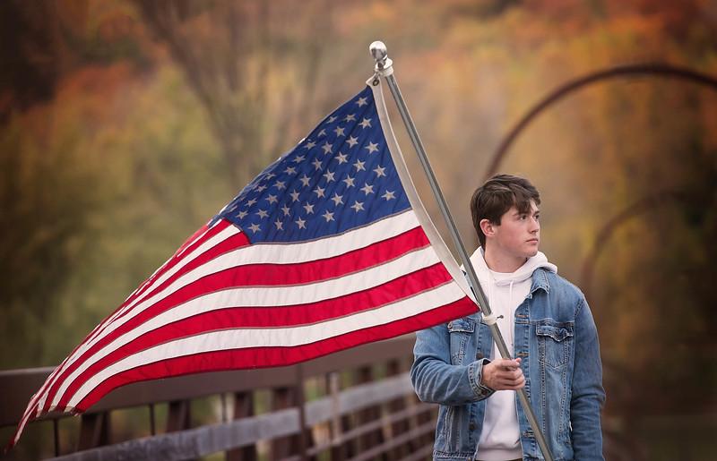 Senior guy -  Iowa session - American Flag - TruYou photography 4.jpg