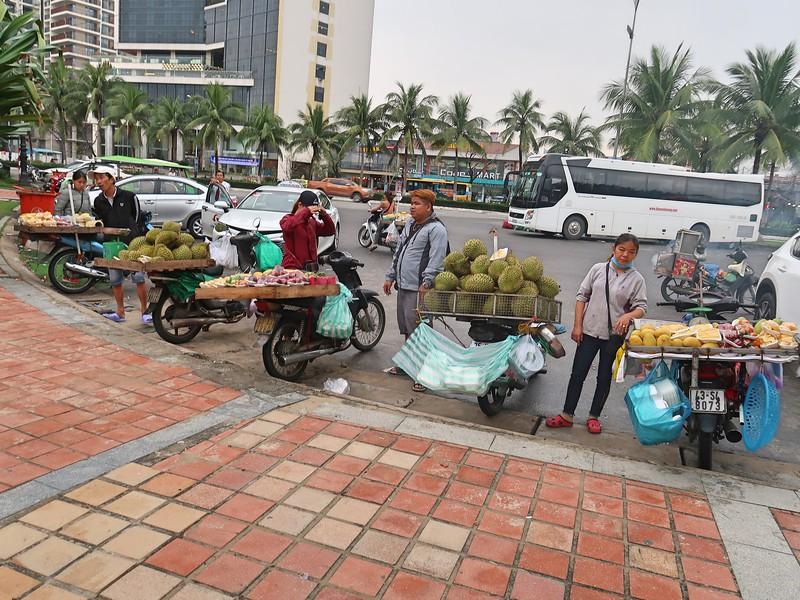IMG_5666-fruit-sellers.jpg