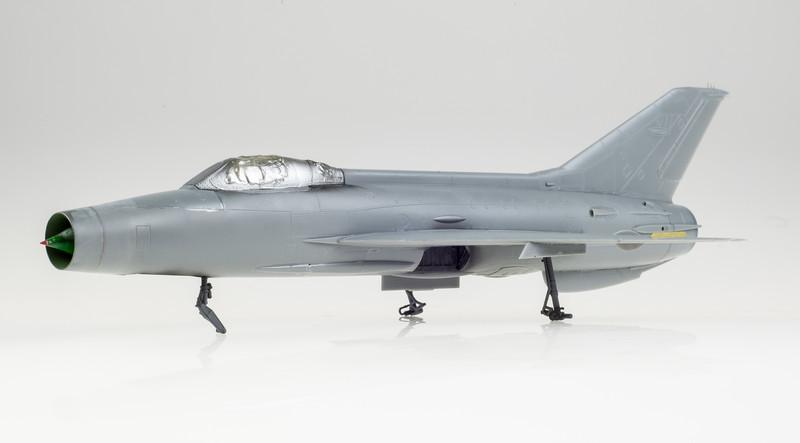 Trumpeter_MiG-21F-13_03-10-14-3.jpg