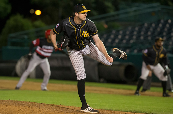 09/06/19 Wesley Bunnell | StaffrrThe New Britain Bees vs the Lancaster Barnstormers on Friday night at New Britain Stadium. Chris Reed (41) pitching in relief.