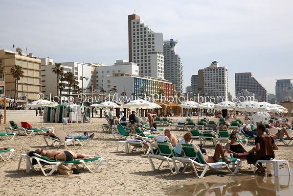 ISRAEL, Tel Aviv. Beach (3.2015)