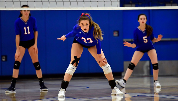10/4/2019 Mike Orazzi | StaffrSt. Paul's Kelsi Blatchley (33) during Friday night's volleyball match with Crosby in Bristol. r