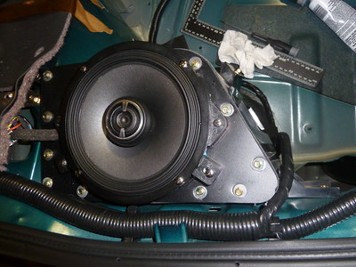 1996 Nissan 300ZX TT with Bose Rear Speaker Installation - USA