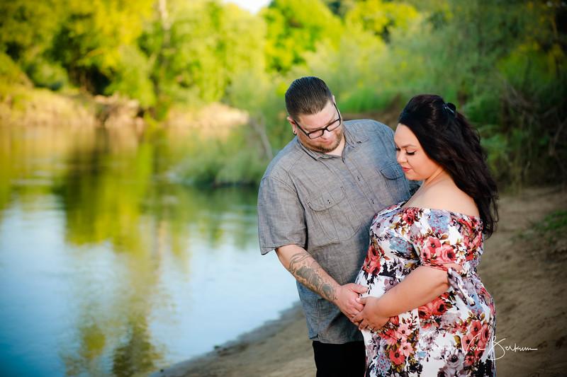 2020_May-Gonzalves-Maternity8153.jpg