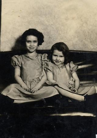 A young Doris and Emma.jpg