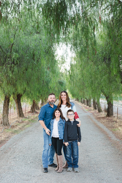 2020 Schneider Family-180.jpg