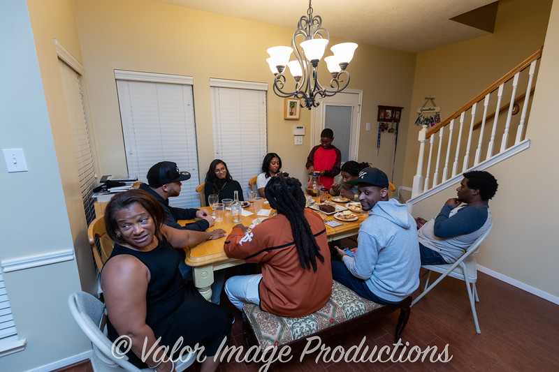 ©2019 Valor Image Productions Thankgiving Eve-14576.jpg