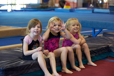 Girls Beginners Friday 3:00 pm - Fall 1 2010