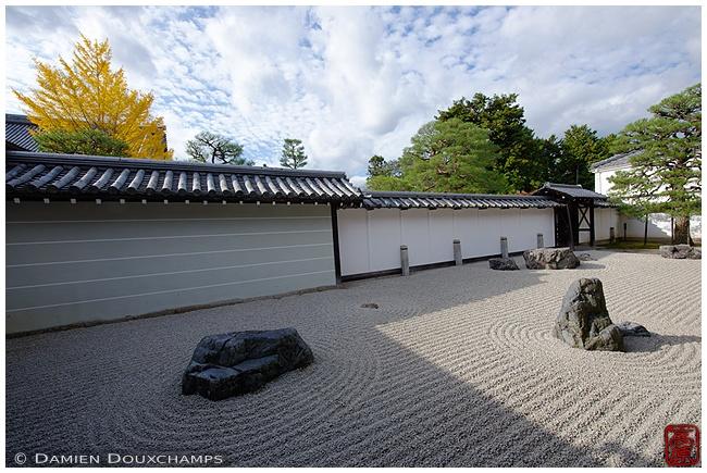 Nanzen-ji Temple karesansui garden