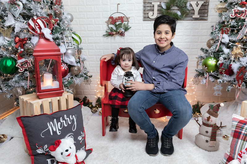 12.21.19 - Fernanda's Christmas Photo Session 2019 - -5.jpg