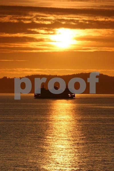 Ferry sunset 5145.jpg