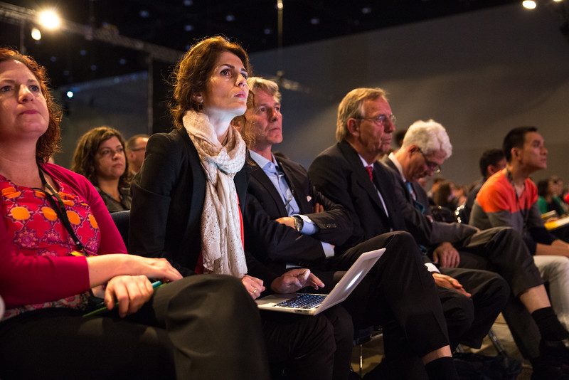 Attendees listen to presenters during Breast Cancer? Triple-Negative/Cytotoxics/Local Therapy Oral Abstract Session