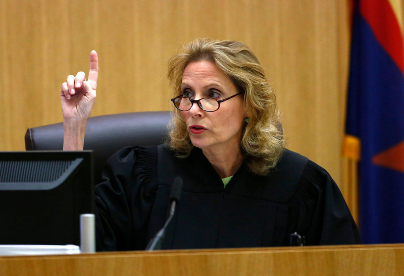 . Judge Sherry Stephens reads the jury instructions before prosecutor Juan Martinez makes his closing arguments in Jodi Arias\' murder trial at Maricopa County Superior Court in Phoenix on Thursday, May 2, 2013. Jurors deciding the fate of Jodi Arias will be allowed to consider the lesser charge of manslaughter. (AP Photo/The Arizona Republic, Rob Schumacher, Pool)