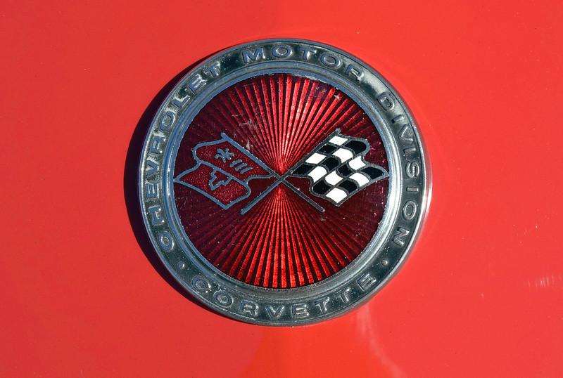 Chevrolet 1974 Corvette deck badge.JPG