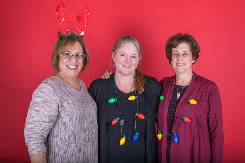 LS 154-2017 Arts and Humanities Holiday Party_134.jpg