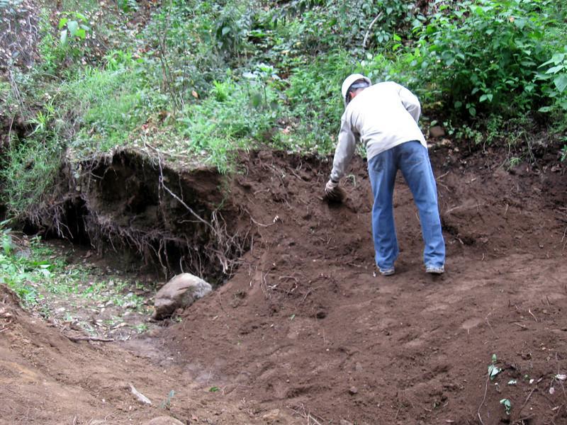20101107008-El Prieto trailwork.JPG