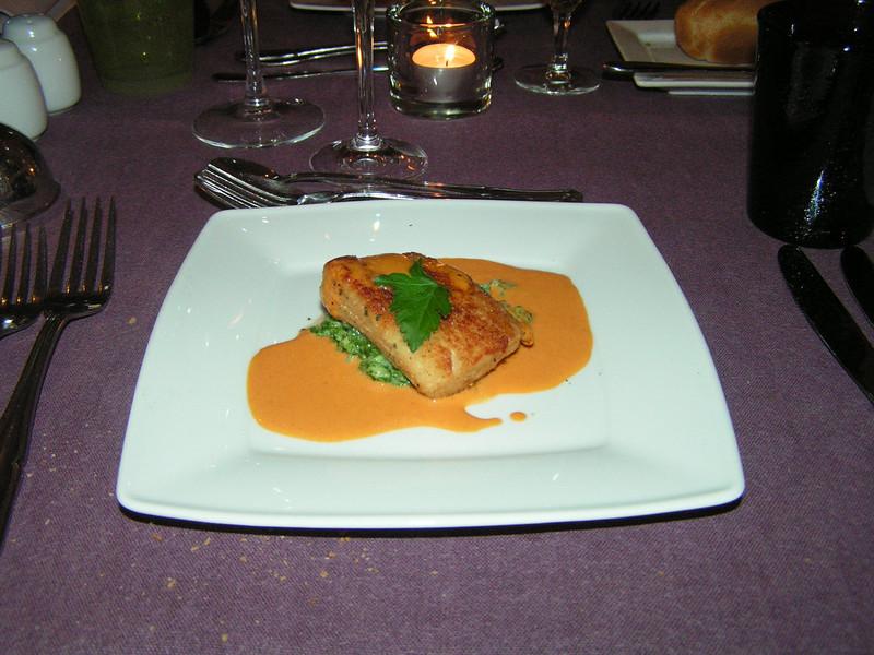 """""""Gerisoleerde zonnevisfilet """"St. Pierre"""" nootje in wit broodkruim gepaneerd op spinazie risotto met truffel geparfumeerd in fine Clair oestersausje op smaak gebracht met Ras-el-Hanout"""" (Sylvester-menu)"""