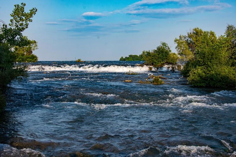 Niagra Falls photographer by Bret Roebing