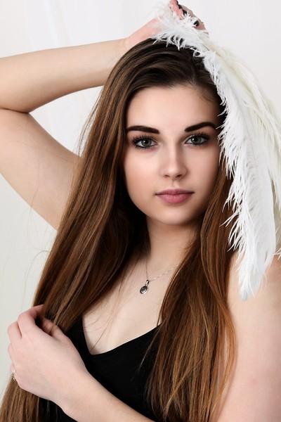 Emily seventeen Ostrich Feather Beauty Glamour Portrait Gondek Photography studio model