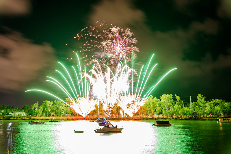 New Years Eve Fireworks 2020 at the Rockhampton Riverside.