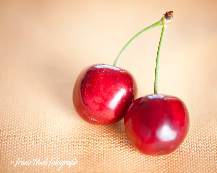 Cherries / Kersen